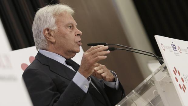 Felipe González ha participado en un almuerzo coloquio