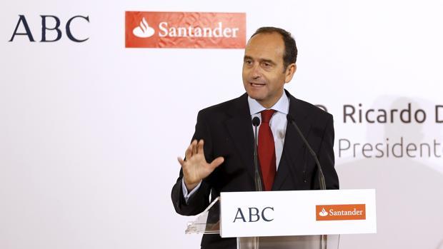 Alberto Delgado Romero, director territorial del Banco Santander en Andalucía