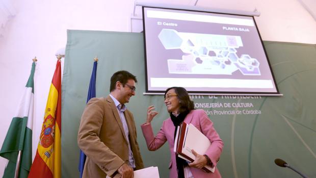 Rosa Aguilar, con Pablo García Casado, en la presentación del C4