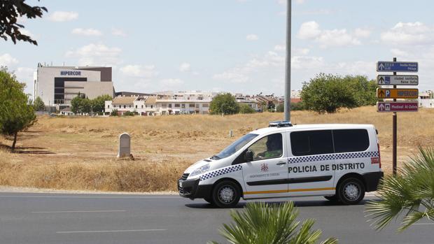 Un coche de la Policía Local de Córdoba