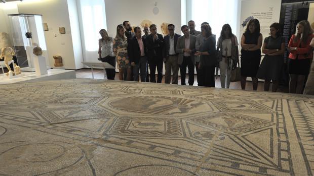 Extraordinario mosaico romano hallado en Cártama que se expone en el Museo de Málaga