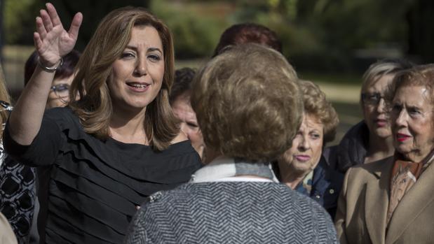 Susana Díaz con las representantes de las Asociaciones de Viudas de Andalucía