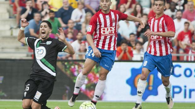 Fidel, ahora en el Almería, en la eliminación del Córdoba en Girona en el play off