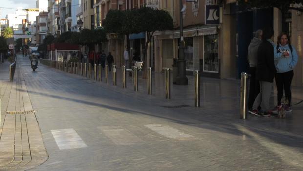 Estado actual de la avenida de la Matallana, en Puente Genil