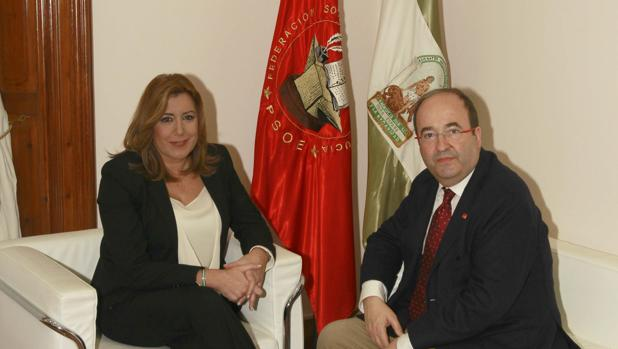 Imagen de la presidenta de la Junta de Andalucía y el líder de los socialistas catalanes