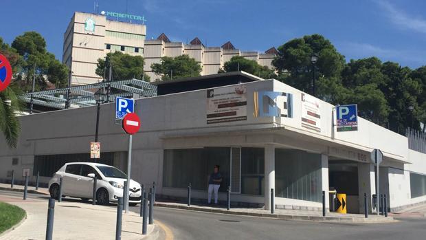 Parking de pago junto al Hospital de Cabra