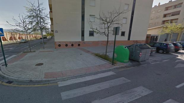 Cruce de las calles Alcalá la Real y Andújar de la zona Norte de Granada, en el barrio de Almanjayar
