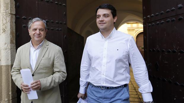 Bellido y Fuentes visitan las obras del convento