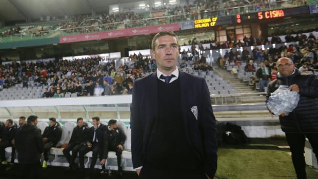 Luis Carrión antes de empezar el partido
