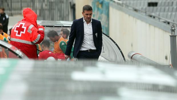 Luis Carrión durante un partido del filial blanquiverde