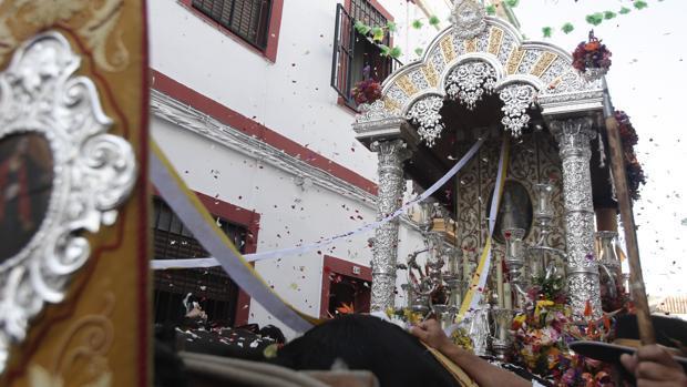 Salida de la hermandad del Rocío de Córdoba