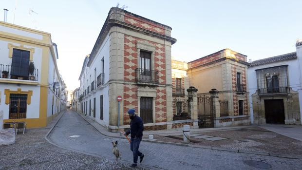 Palacete de los Burgos en la calle Julio Romero de Torres