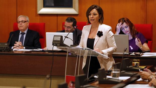 La alcaldesa, Isabel Ambrosio, durante el Debate sobre el Estado de la Ciudad en octubre