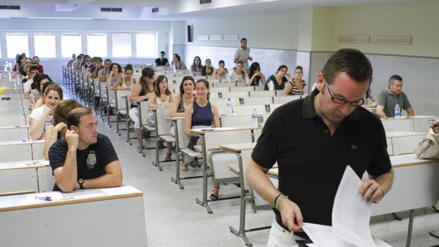 Opositores en una aula andaluza