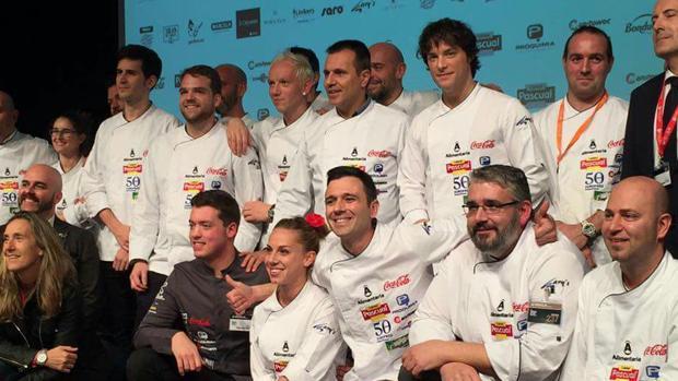 Álvaro Salazar hace el símbolo de la victoria tras la semifinal del concurso