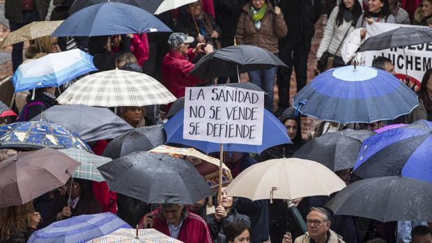 Marcha en protesta por los recortes sanitarios el domingo 27 en Málaga