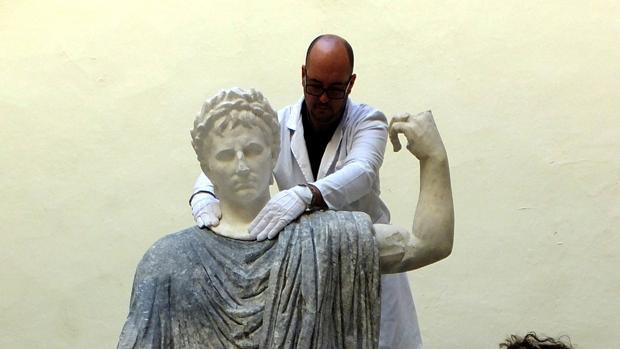 Busto reconstruido del emperador Augusto para sus estatua en Torreparedones