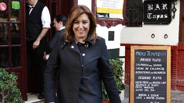 Susana Díaz durante su visita ayer en Sevilla