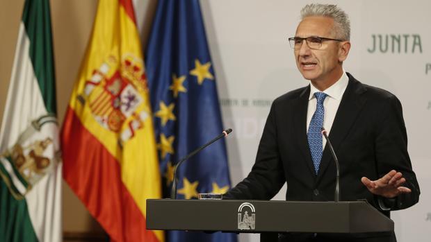 El portavoz del Gobierno andaluz, Miguel Ángel Vázquez, respaldó el martes la gestión de Martín Blanco