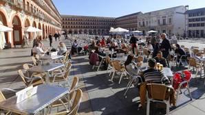 Terrazas al sol en la Plaza de la Corredera