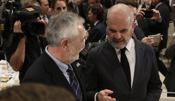 Los expresidentes de la Junta de Andalucía José Antonio Griñán y Manuel Chaves