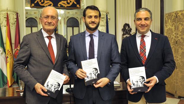 Francisco de la Torre, Juan Fernández-Miranda y Elías Bendodo en el Ayuntamiento de Málaga