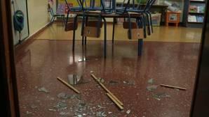 Desperfectos en uno de los colegios de Lucena afectados por la oleada de robos