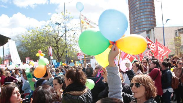 Manifestación de las guaderías ante la sede de la Junta en Torretriana el pasado 23 de marzo