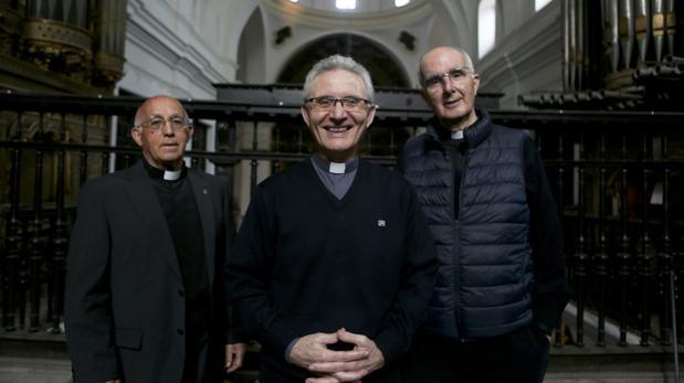 Los padres agustinos, en la parroquia.