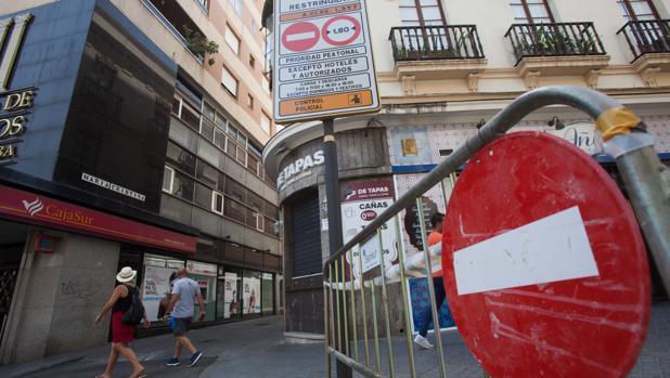 Señal en uno de los tramos de la calle María Cristina