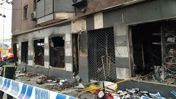 El due o del bazar chino incendiado en huelva ofrece una for Bazar en cordoba