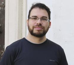 El filólogo Ángel Velasco