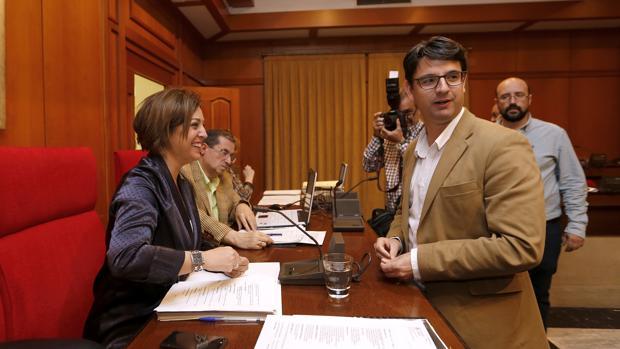 Isabel Ambrosio y Pedro García, en un Pleno