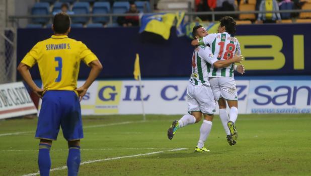 Piovaccari celebra el gol del triunfo del Córdoba CF ante el Cádiz en la Copa del Rey