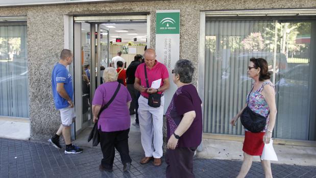 Junio se cierra con parados menos en c rdoba for Oficina de desempleo malaga
