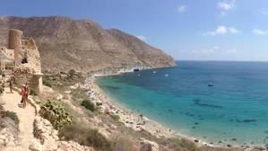 La cala de San Pedro en el Cabo de Gata