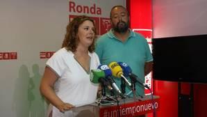 Cartel que anunciaba la boda de la hija del concejal socialista rondeño