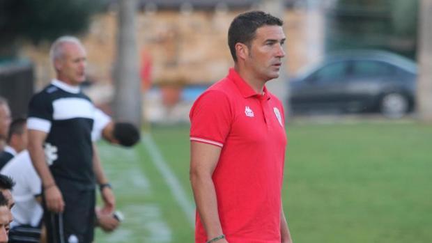 Carrión, en la banda del Marbella Football Center