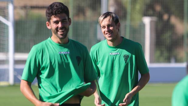 Caro y Javi Lara, dos de los jugadores polivalentes del Córdoba CF