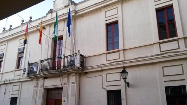 Fachada del Ayuntamiento de la localidad cordobesa de Peñaroya-Pueblonuevo