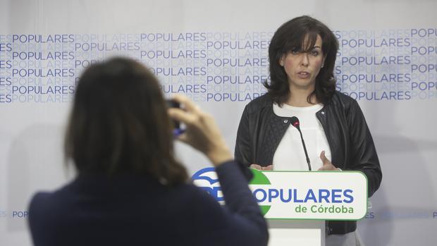 María Luisa Ceballos en una rueda de prensa