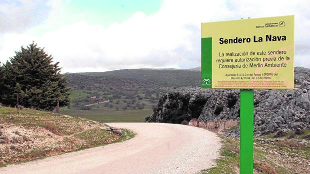 Sendero de La Nava, en la Subbética cordobesa, en el término municipal de Cabra