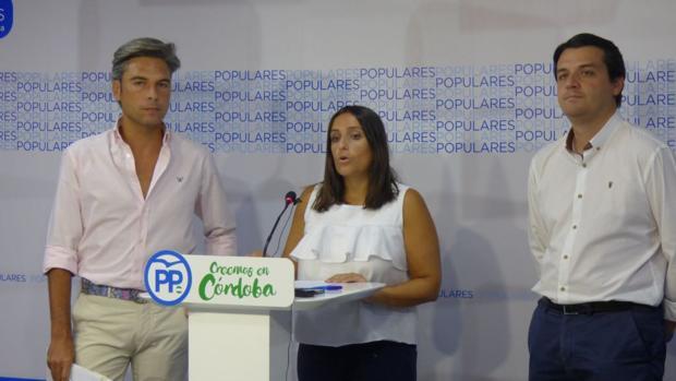 El portavoz del PP en la Diputación, la coordinadora general del partido en Córdoba y el ortavoz municipal