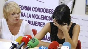 La madre de los menores, visiblemente emocionada durante su intervención