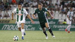 Carlos Caballero, capitán del Córdoba, jugó unos minutos en la segunda mitad