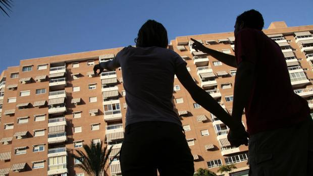 La Policía advietre a los inquilinos ante las estafas en verano