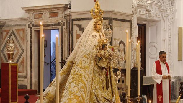 La Virgen del Rosario, Patrona de Cádiz