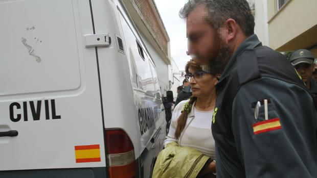 La alcaldesa de Peñarroya, María Luisa Ruiz, durante su detención