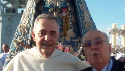 El Padre Pascual Saturio con el presidente del Consejo de Hermandades Martín José García