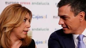 Susana Díaz y Pedro Sánchez durante un encuentro hace un año en Sevilla